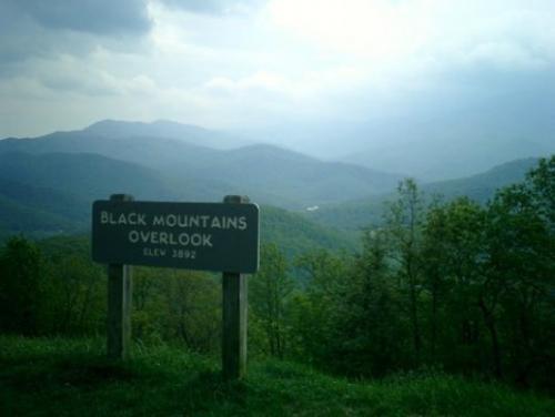 052-black-mountains